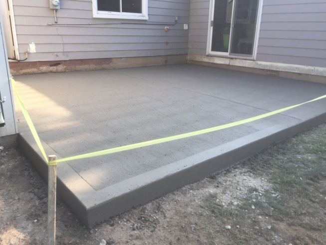 concretebackpatio1-small.jpg